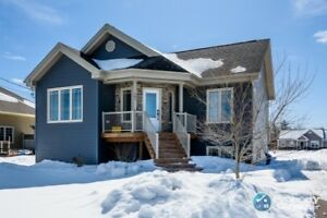 Close to Fox Creek Golf, raised bungalow, over 2000sf