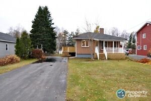Completely renovated 3 bed/2.5 bath, needs nothing!!