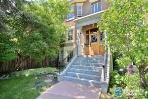 Stunning 1 bed condo in 1928 Heritage building