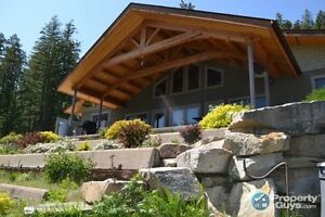 Waterfront 5 bed custom home on 8 acres in Nelson 197733