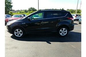 2014 Ford Escape SE CLEAN CAR-PROOF !! REAR CAMERA !! LEATHER !! Kitchener / Waterloo Kitchener Area image 2