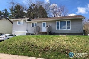 Extensively renovated 3 bedroom, 1 block from the Hospital