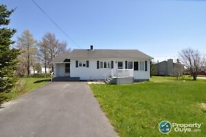 Centrally located, 2 bed/2 bath home. Great for first time buyer