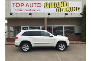 2011 Jeep Grand Cherokee Laredo Leather and loaded