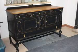 Antique cabinete