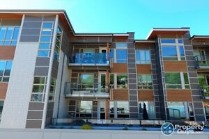 2 bed condo in perfect location Nelson Sign #198099