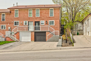 Bright Spacious End Unit, Freehold Townhouse. All Vinyl Casement