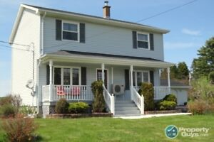 Lovely, meticulously kept 4 bed/2 bath, close to schools & more