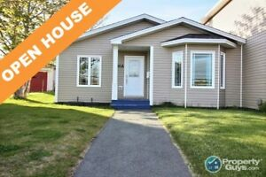 NEW PRICE/OPEN HOUSE! Perfect semi for the first time buyer!