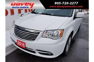 2016 Chrysler Town & Country Touring-L STO N GO, DVD, LEATHER...