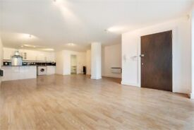 Oval 1 Bed! VALUE! VALUE! VALUE! Massive Reduction on the Rent