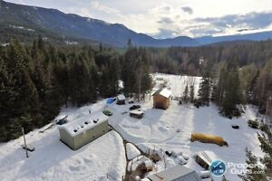 6.83 Acre Hobby Farm with NEW Home in Pass Creek 198073