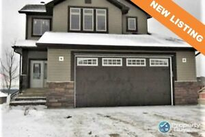 NEW LISTING! Gorgeous fully fenced 3 bed/3 bath in Eagle Ridge!