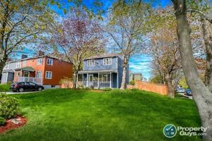 Charming and well maintained 3 Bed/2 Bath on a quite street