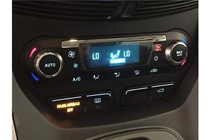 2015 Ford ESCAPE SE- 4WD! ECOBOOST! CHROMES! HITCH! SYNC! Belleville Belleville Area image 6