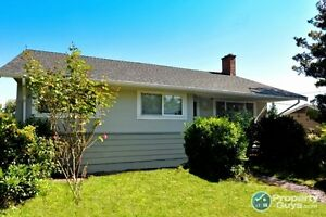 Oceanview Character House with suite in Nanaimo