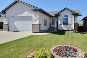 Great 4 bed/3 bath home in a desirable quiet location!