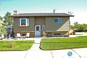 For Sale 402-2nd Ave NW, Black Diamond, AB
