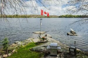 SMRT- Gorgeous, Year Round Waterfront, North of Kingston