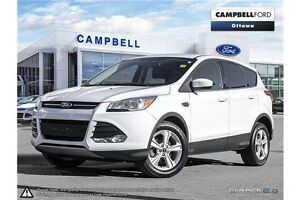 2014 Ford Escape SE  Only 34, 000 KMS---Loaded