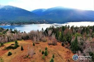 8.1 acres vacant lot, access to Lake, near Harrop Procter 197651