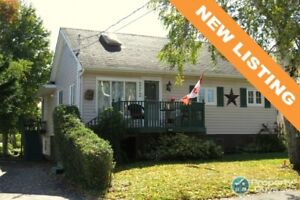 Small but mighty PLUS convenient central location!!