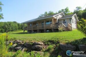 Wickham: Must see 4 bdrm on 2.5 acres
