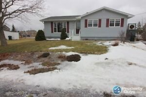 Like New 3 bed/2 bath bungalow in heart of Antigonish