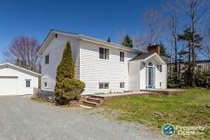 Great family home, tons of space & multi use zoning