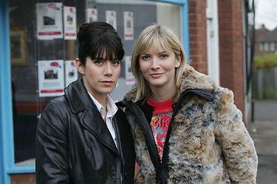 CAROLINE CATZ AND LISA FAULKNER UNSIGNED PHOTO - 141 - MURDER IN SUBURBIA