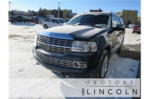 2013 Lincoln Navigator Base Clean Carproof, fully loaded 4WD