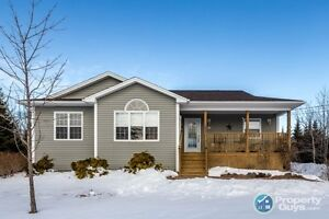 NEW LISTING! Almost 3000 sf, 4 bed/3 bath, carpet free home!