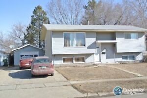 4 Bed Split Entry, Close to Amenities, Private Fenced Yard