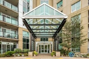 Rare 3 bed/2 bath condo close to all amenities & schools