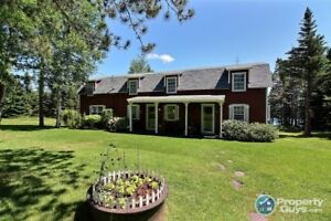 Country Living at its finest!!! 4 bed waterfront!!!