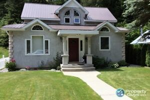 Beautiful Updated 3 bed 1 bath home in Salmo BC  197370