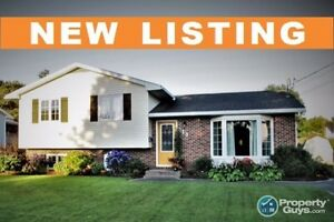 NEW LISTING! Excellent location, immaculate interior, 4 bed
