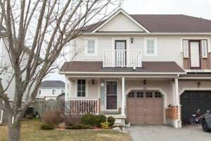 Lovely Whitby Shores Entire 3 Bedroom 3 Bathroom Home