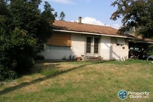 Sub-dividable lot and 3 bed home in Fruitvale 197904