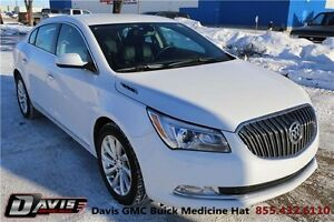 2016 Buick LaCrosse Base Heated seats! One Owner! Local trade!