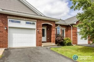 Beautiful 3 bed/3 bath bungalow condo off Southgate Dr.