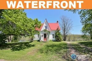 Antigonish - Lochaber lakeside home, 190 ft of waterfront