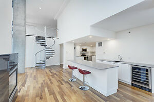 Stunning Penthouse- 2 Bed + Mezzanine, Renovated Kitchen