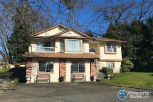 Well maintained 2,577 sf, 4 bed, 3 bath home