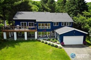 Open Concept, Cathedral Ceiling, Large Lot & Great Neighborhood