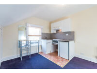 Lovely studio flat in Streatham Hill. Water Rates included.