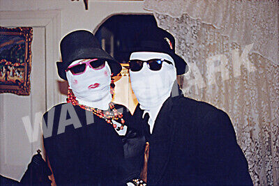 HALLOWEEN COSTUMES OF MR. AND MRS. MUMMY. 1970s REPRINT VINTAGE PHOTO #264