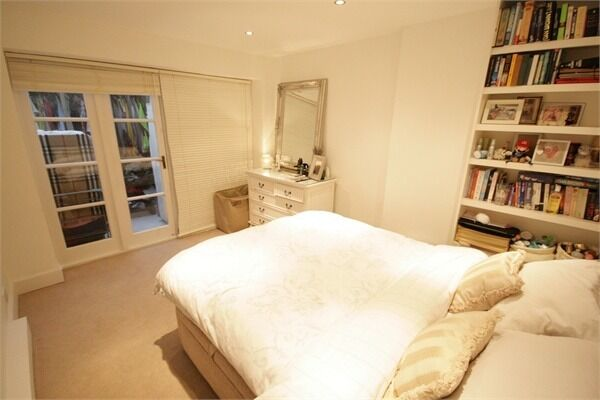 MASSIVE 4 double bedroom house, with huge garden - Stockwell!