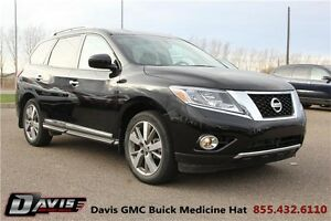 2014 Nissan Pathfinder Platinum 7 passengers! Heated and Cool...