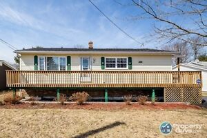 Immaculate 4 bed/2 bath home close to schools & amenities.